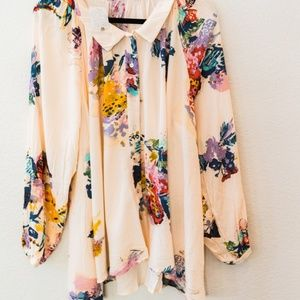 FREE PEOPLE - NWT BLOUSE/ TUNIC FLORAL SIZE SMALL